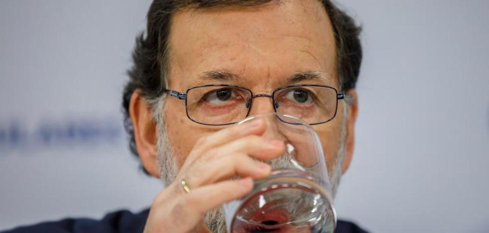 Rajoy avanza que recurrirá al Constitucional si Puigdemont delega mañana su voto