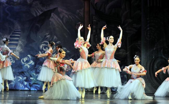 El Ballet de San Petersburgo y los alumnos de Danzarte dejan huella en el Cervantes