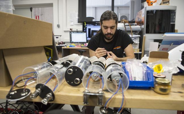 La Escuela de Informática alcanza el 100% de ocupación de sus titulados