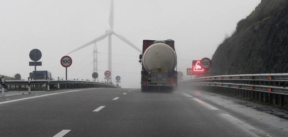 Francia prepara un impuesto para los camiones que circulan por sus carreteras