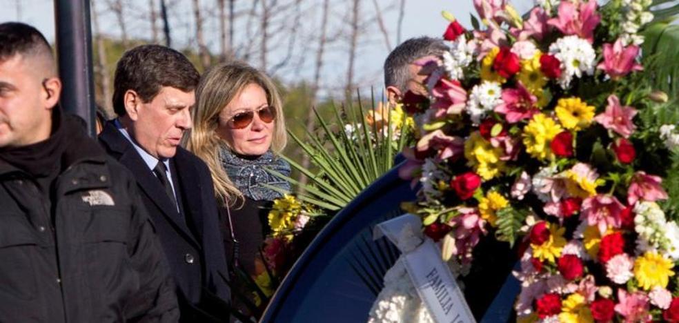 Los padres de Diana Quer invitan al funeral al padre de Marta del Castillo, al de Mariluz Cortés y a Ruth Ortiz