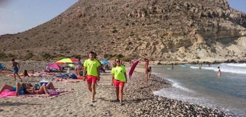El Ayuntamiento saca a licitación el contrato de socorrismo de las playas de Almería