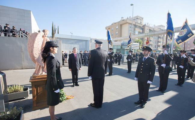 La Policía condecora a los agentes que prestaron servicio en Cataluña