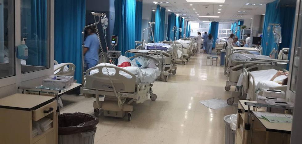 "CSIF afirma que el Hospital Torrecárdenas está dando ""altas precipitadas"" porque ""no tiene camas libres"""