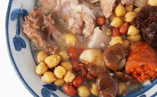 ¿Qué no puede faltar en la olla de San Antón?