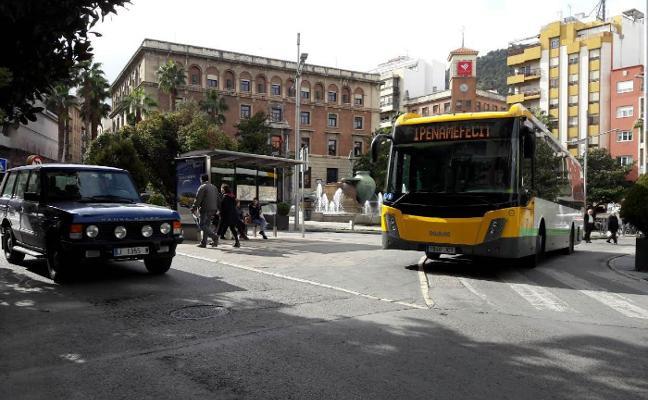 JeC pide a la Junta que rechace la subida del autobús ante los beneficios de Castillo