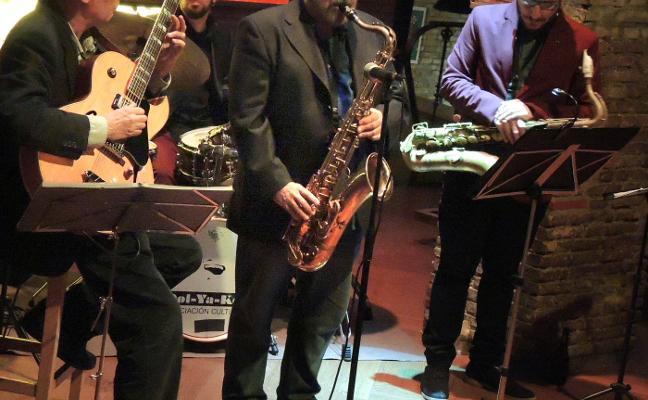 Arturo Cid: jazz con galones