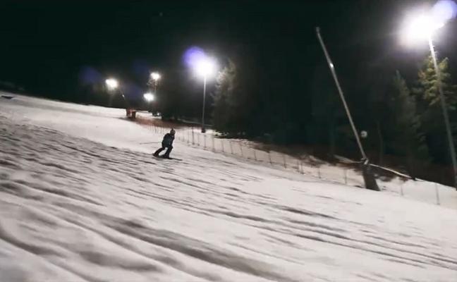 Sierra Nevada celebra mañana la primera competición de 12 horas de esquí ininterrumpido