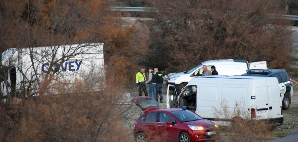 Se fuga tras ser interceptado con una furgoneta cargada de propano y material inflamable en Granada