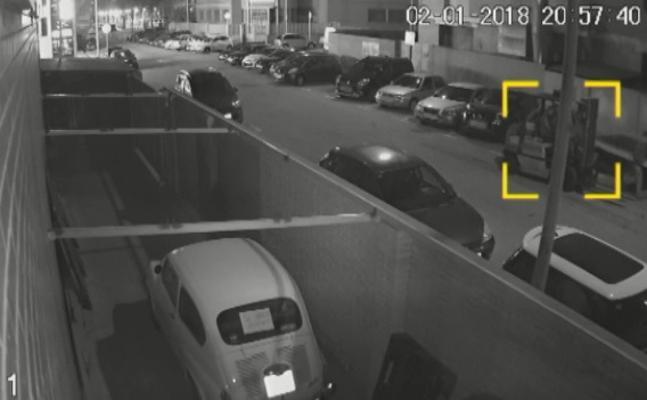 Alerta por la nueva forma con la que pueden robar tu coche: con un toro mecánico