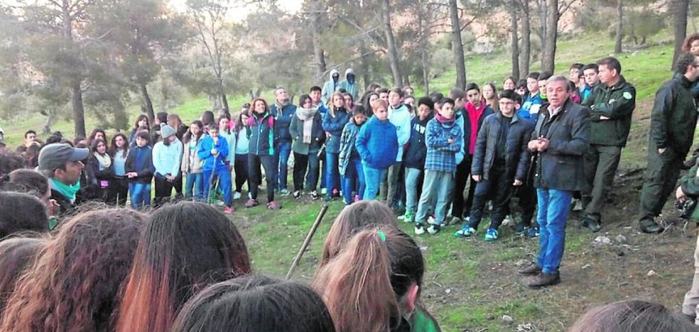 Escolares de La Purísima plantan árboles