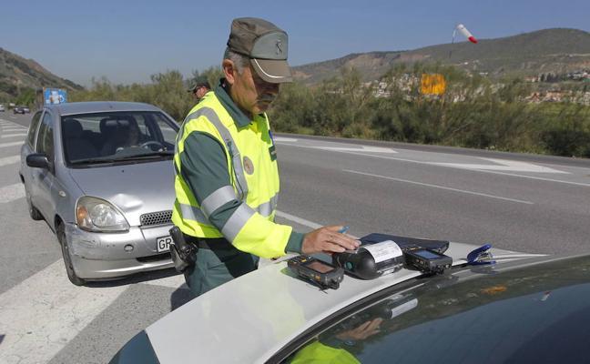 Las almerienses, mejores al volante y menos sancionadas que los hombres
