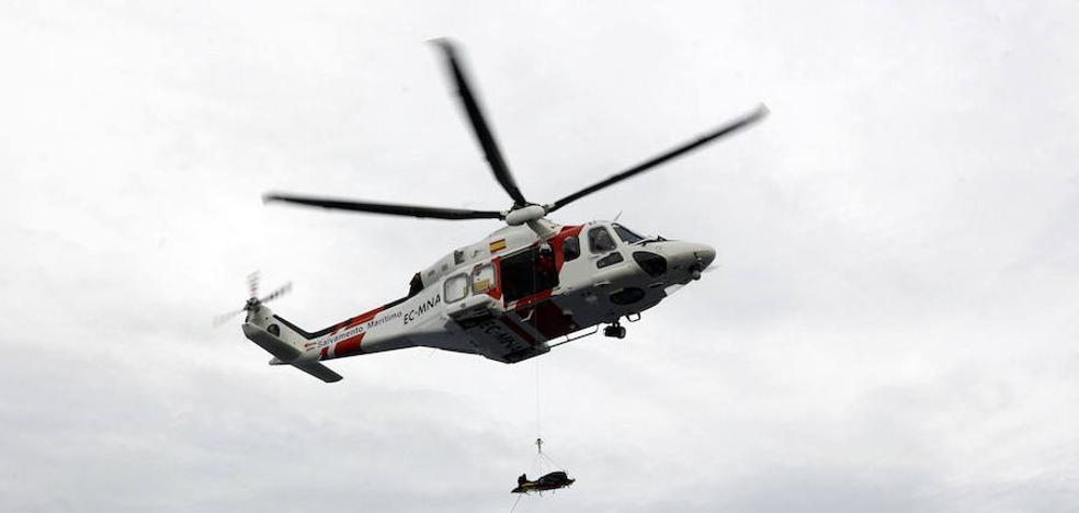 Dos personas de la patera naufragada permanecen ingresados en Torrecárdenas