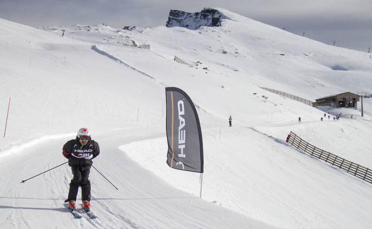 Los granadinos arrasan en las Doce Horas Non Stop de esquí