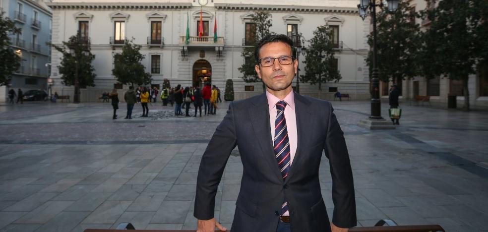 Cinco preguntas al alcalde de Granada