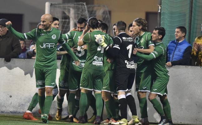 Al Huétor Tájar le dan alergia los equipos de Jaén y cae derrotado ante el Mancha Real