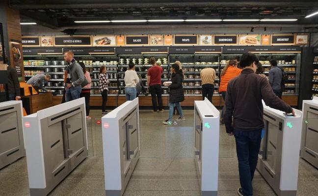 El revolucionario supermercado sin dependientes ni cajeros que ha abierto Amazon