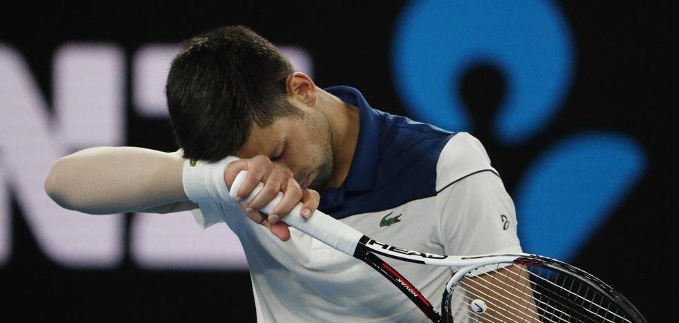 Federer, imbatido, y Djokovic arrasado por el joven Chung