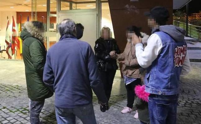 La Fiscalía de Menores se hace cargo de los detenidos por el asesinato de los ancianos