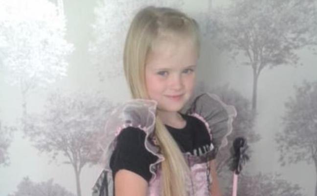Un padre publica en Facebook una foto de su hija de 8 años antes de matarla