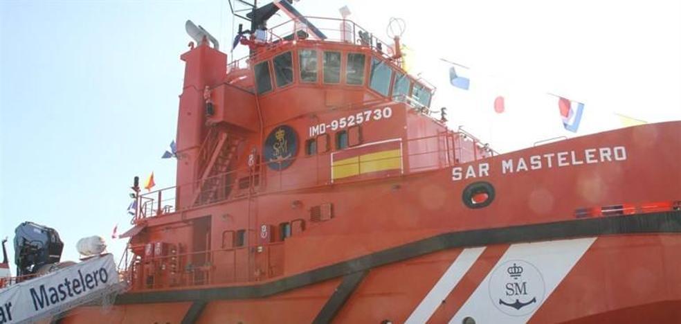 Rescatadas 51 personas en aguas de Alborán, donde se busca una segunda patera