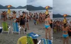 El raro y eficaz método para que un niño perdido en la playa encuentre a su familia