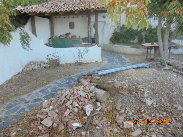 Las obras ilegales en las Cuevas de San Miguel