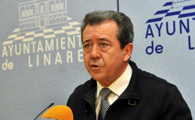 El PSOE-A apela al «entendimiento» para superar la crisis, y si no «las reglas del partido»