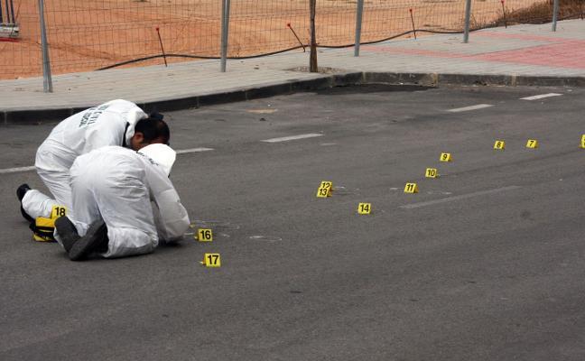 Dos hombres atracan a punta de pistola una sucursal en Gádor