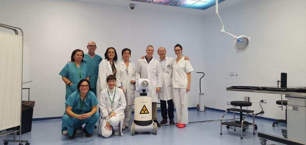 El Complejo Hospitalario de Jaén comienza a aplicar una nueva técnica para tratar tumores con mayor precisión