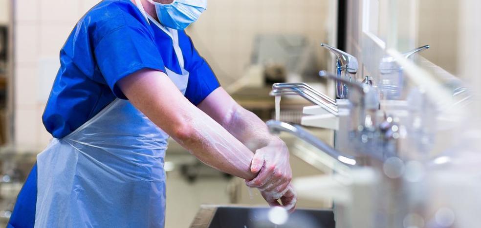 Error fatal en la morgue: introduce el cerebro de un cadáver en el abdomen de otro