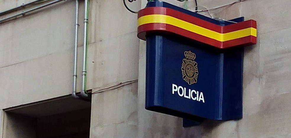 Detenida por insultar a familiares que velaban a sus difuntos y dar un bofetón a un policía