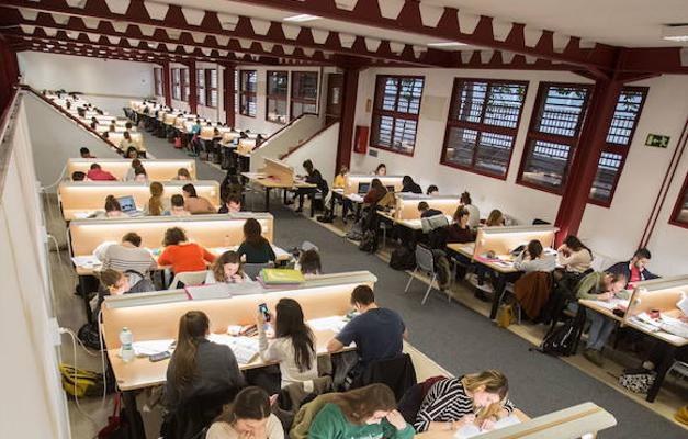 La agencia de colocación de la Universidad de Granada pasa en un lustro de 546 contratos a 1.362