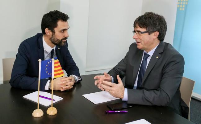 Puigdemont insiste en que el mandato de las urnas es que él sea presidente