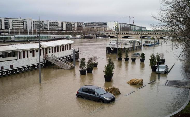 El desbordamiento del río Sena, en imágenes