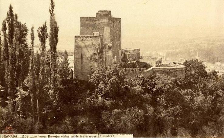 Las torres Bermejas desde los Adarves