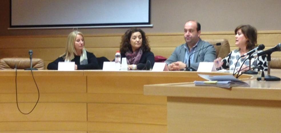 La Diputación de Jaén impulsa en 18 municipios la Escuela de Madres y Padres para apoyar a las familias