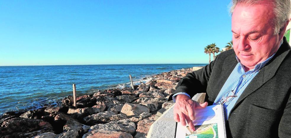 Un alga amenaza un futuro espigón en Castillo de Baños y Costas tratará de esquivarla