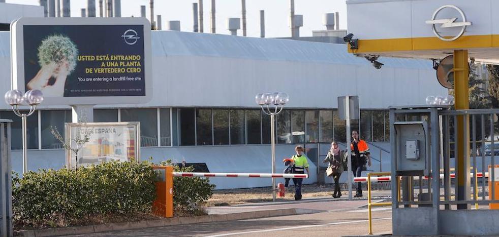 Sindicatos y Opel pactan congelación salarial en 2018 para no bajar carga en Figueruelas