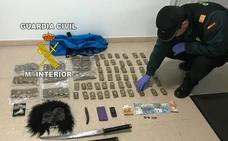 Detenida en Guarromán una pareja tras arrojar siete kilos de hachís por la ventana de su coche
