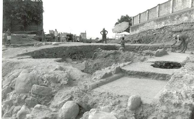 Reclaman a la Junta que consolide la muralla íbera encontrada en el solar de la mezquita del Albaicín