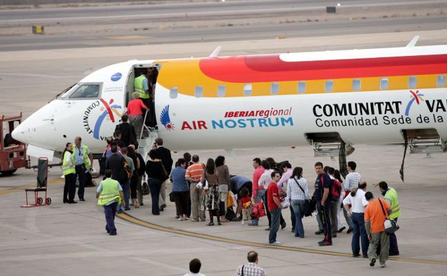 El vuelo público a Sevilla supera el 60% de ocupación y sube de 33.000 viajeros