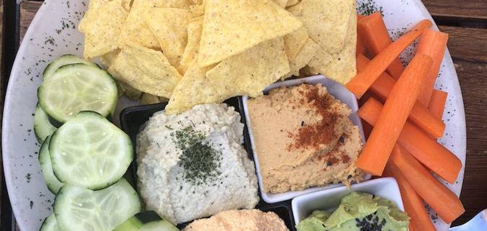 Descubre las mejores tapas veganas de los bares de Granada