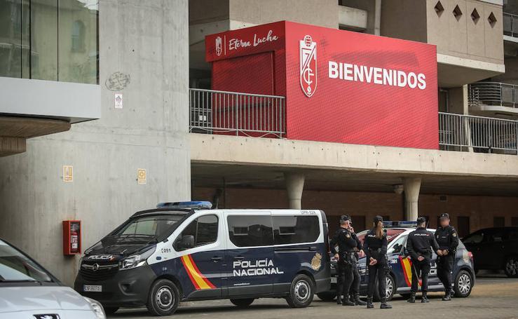 Así han sido las diez horas de registro en las oficinas del Granada