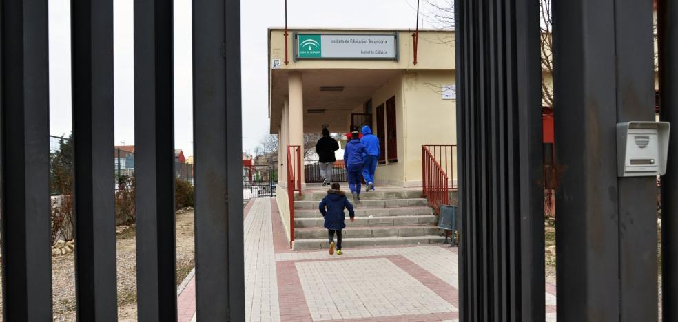 Un brote de violencia en el instituto de Guadahortuna vacía las aulas