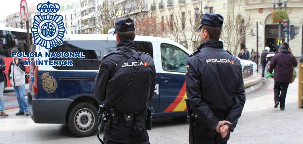 Arrestados tres jóvenes tras intentar perpetrar un robo violento de un teléfono móvil en Granada