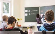 ¿Se deberían restringir las ayudas sociales a los padres que no llevan a los hijos a la escuela? ¿Y a los de los niños que agreden a los maestros?