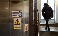 El Ayuntamiento de Granada se compromete a arreglar el ascensor averiado