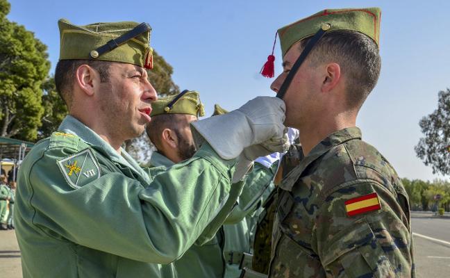 La Brigada de La Legión 'Rey Alfonso XIII' recibe a los nuevos legionarios