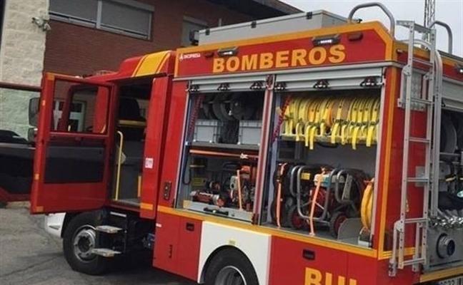 Trasladan al hospital a dos personas tras un incendio en una vivienda de Torredonjimeno
